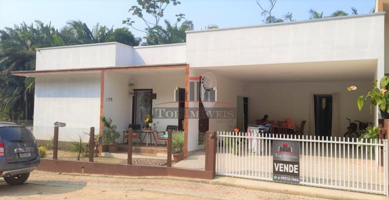 Linda Casa com 5 quartos | Ótima Localização | Guabiruba Sul