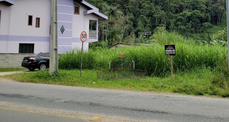 Lindo Terreno na Guabiruba Sul | Ótima localização! | Ideal para construção de ponto comercial | Escriturado